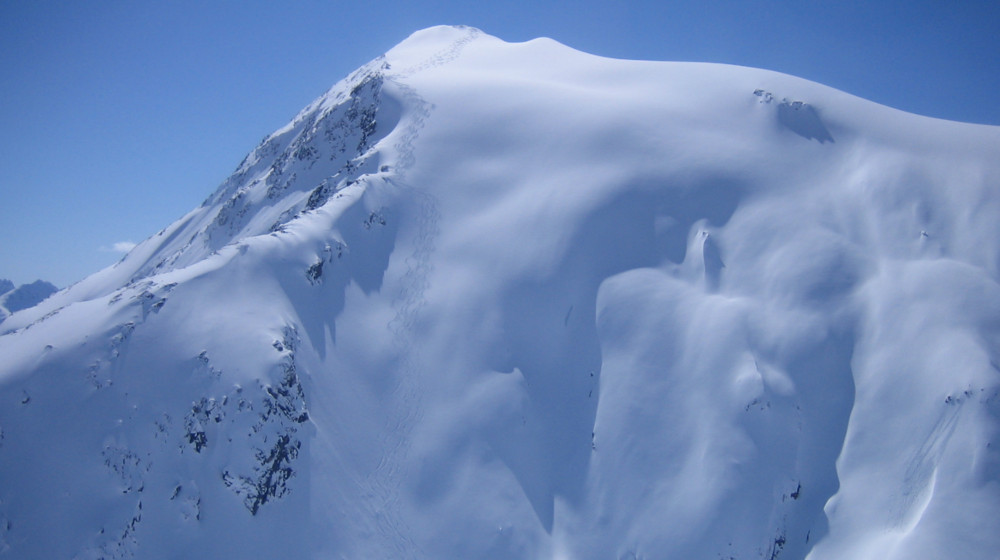The Left hand finger chutes... ski tracks on the pinky, one of the Skagway classics